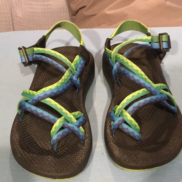 776b57c82eec Chaco Shoes - Chacos size 6 Wide. Green and blue print